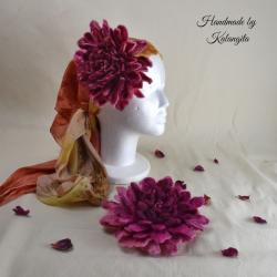 Dahlia felt flower in Pink...